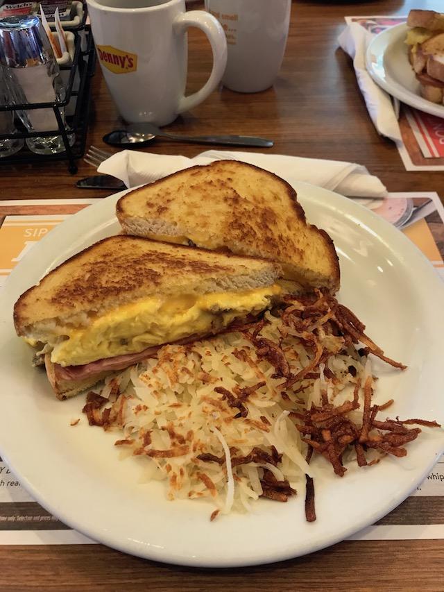 DAS ist ein Frühstück !
